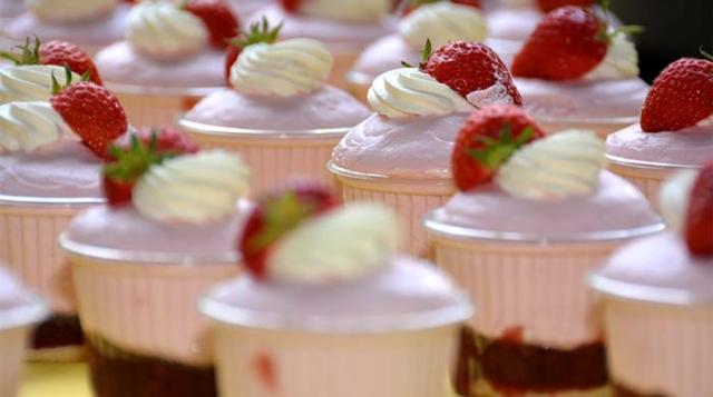 Bäckerei Fahrni Belp Erdbeeren Patisserie
