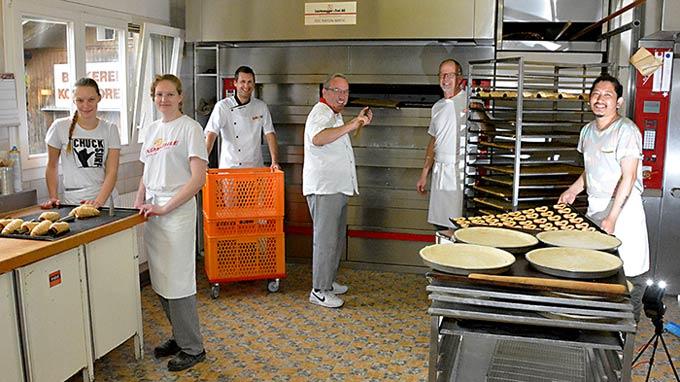 Bäckerei Fahrni Belp Team Backstube