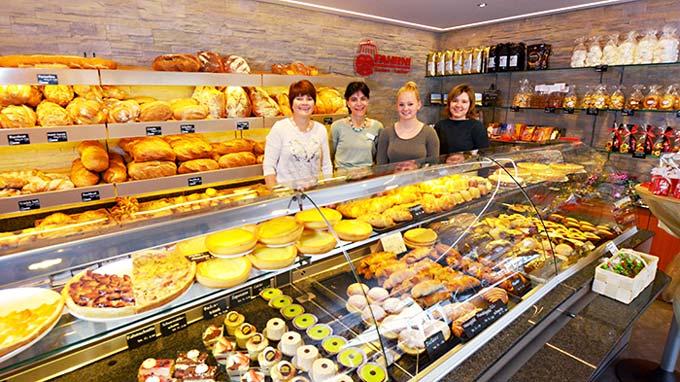 Bäckerei Fahrni Belp Team Laden